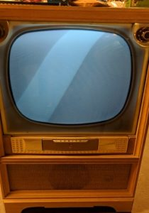 Zenith 22R21 TV with Raster